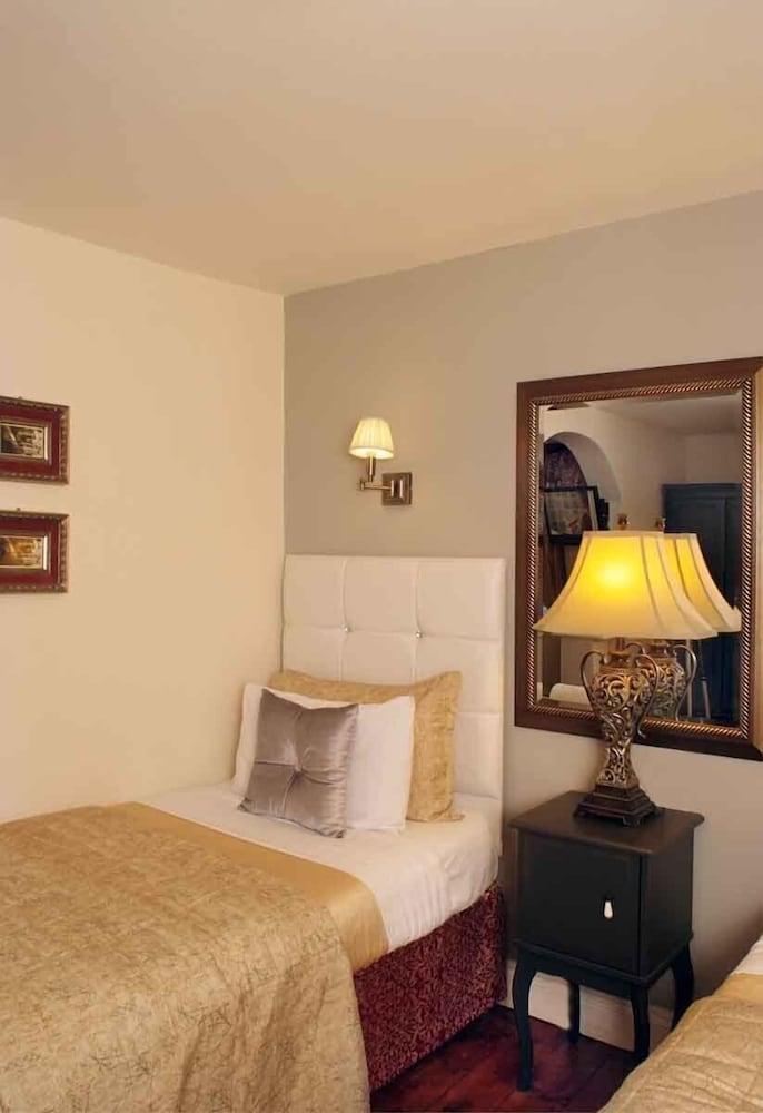 피콜리노 하이드 파크 호텔(Piccolino Hyde Park Hotel) Hotel Image 15 - Guestroom