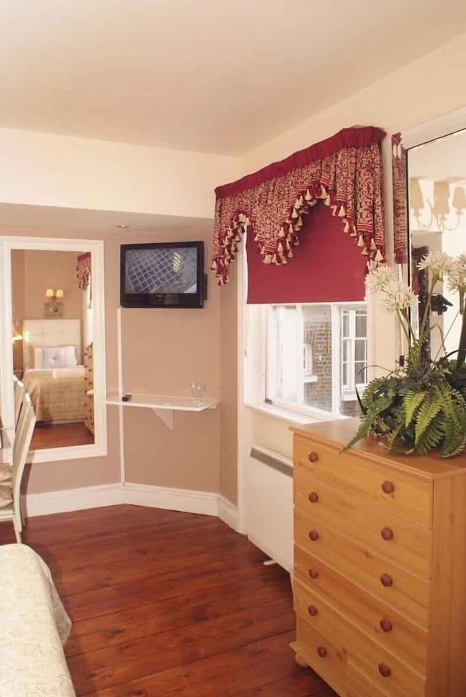 피콜리노 하이드 파크 호텔(Piccolino Hyde Park Hotel) Hotel Image 31 - Living Area
