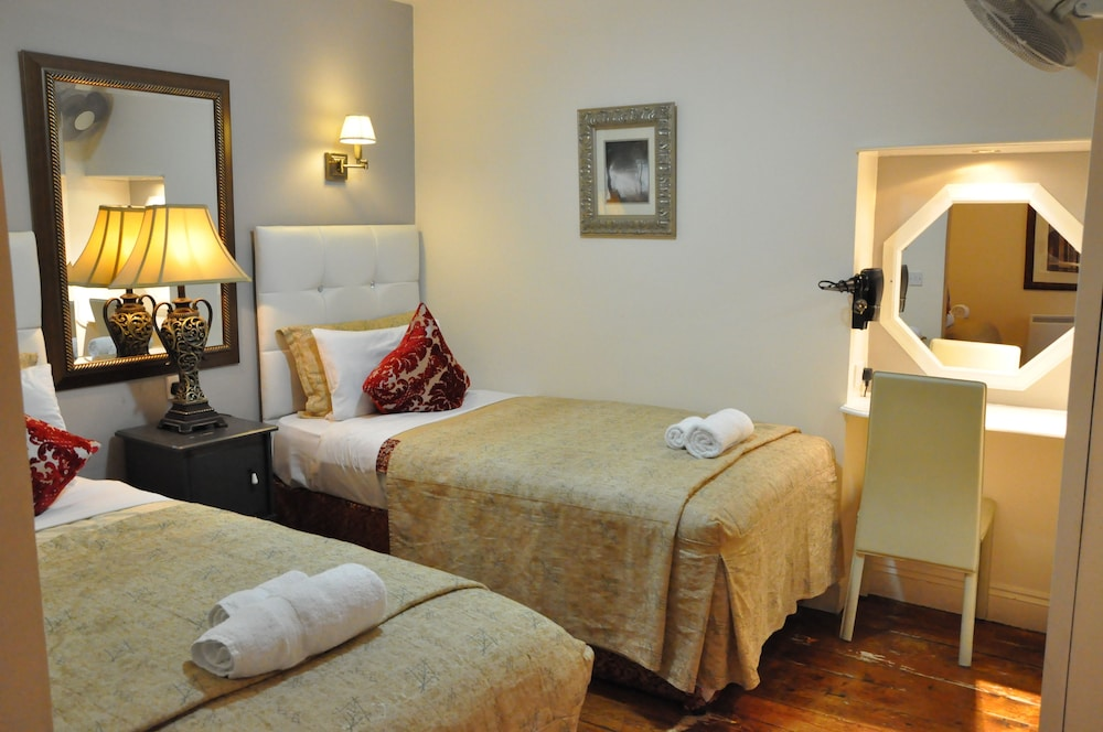 피콜리노 하이드 파크 호텔(Piccolino Hyde Park Hotel) Hotel Image 19 - Guestroom