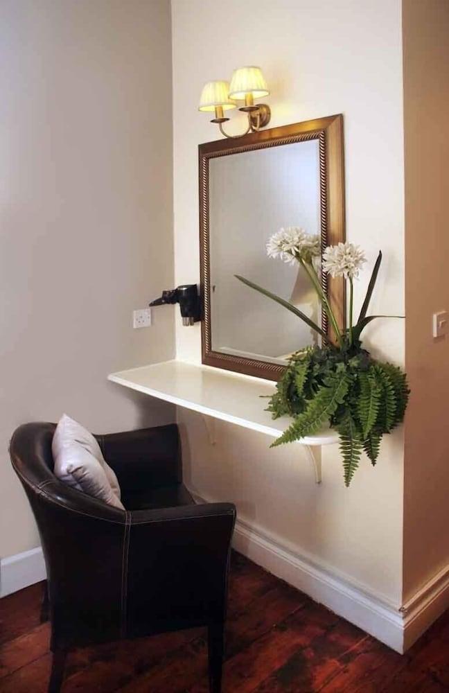 피콜리노 하이드 파크 호텔(Piccolino Hyde Park Hotel) Hotel Image 29 - Living Area