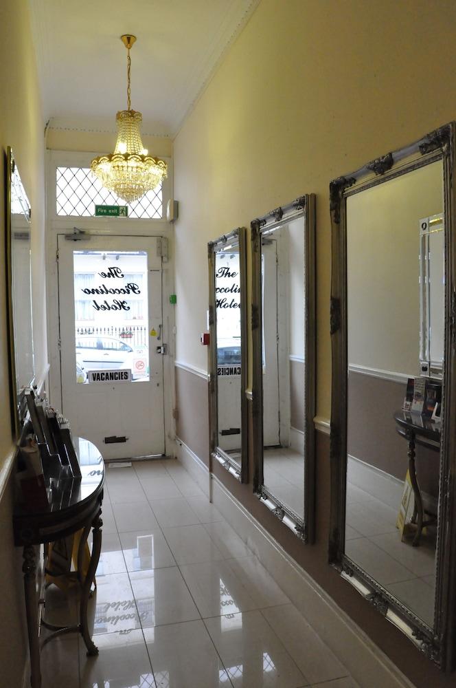 피콜리노 하이드 파크 호텔(Piccolino Hyde Park Hotel) Hotel Image 41 - Hallway