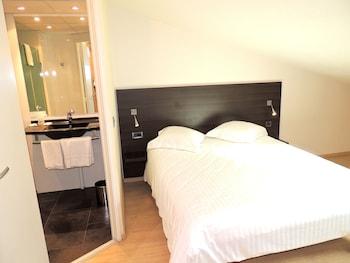 Comfort Tek Büyük Yataklı Oda (attic With Velux)
