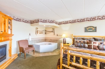 Suite, 1 King Bed, Non Smoking (Cabin Suite)