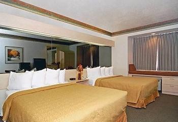 Standard Suite, 2 Queen Beds, Non Smoking, Refrigerator & Microwave