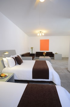Grand Room, 2 Double Beds (Deluxe)