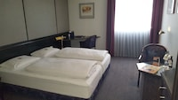 Standard Double Room (Aircondition)