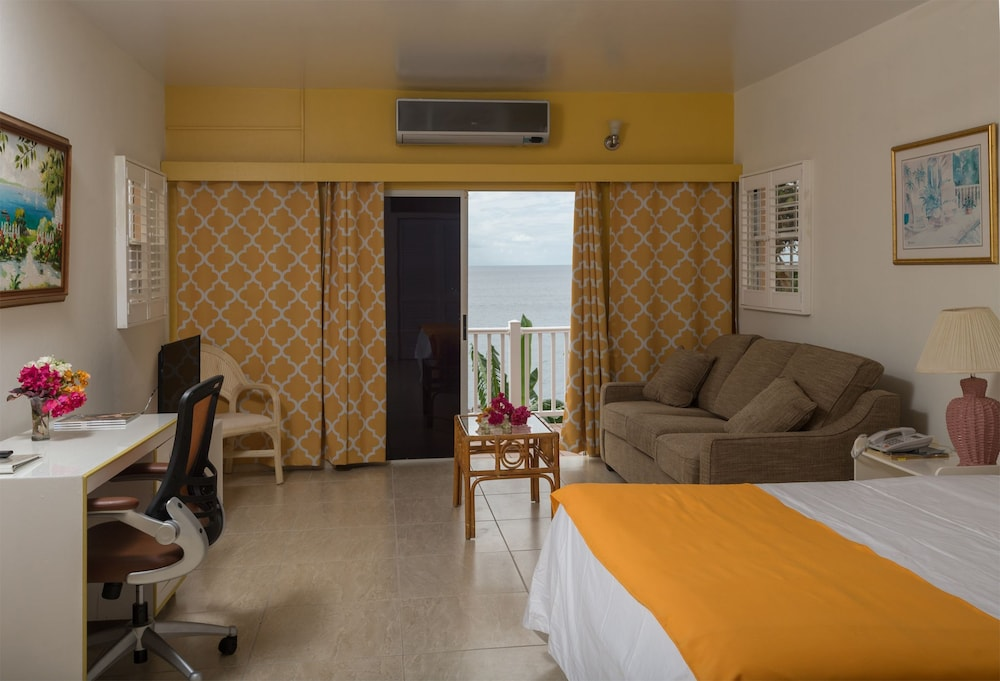 Bird Rock Beach Hotel,