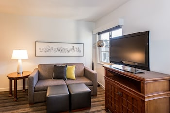 Suite, 1 Bedroom, Accessible (Shower)