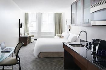 Suite, 1 Queen Bed, Kitchenette