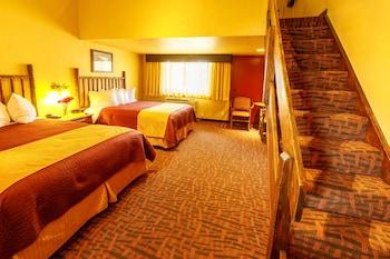 3 Queen loft room