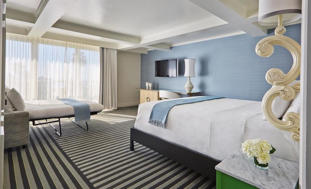 https://i.travelapi.com/hotels/1000000/890000/890000/889909/74940ca6_z.jpg