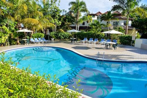 . CocoLaPalm Seaside Resort