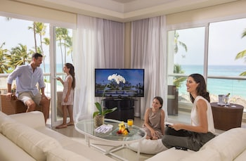 Luxury Chairman Two Bedroom Suite Ocean Front Diamond Club