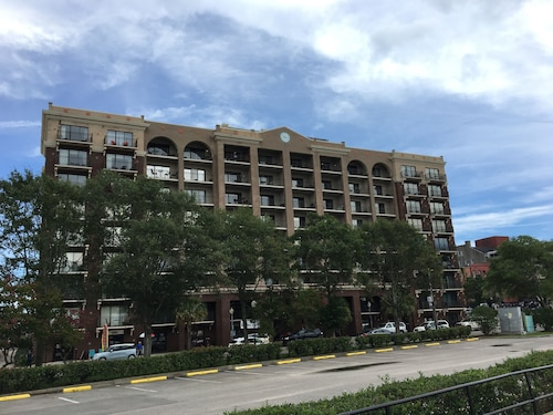 Riverview Suites, New Hanover