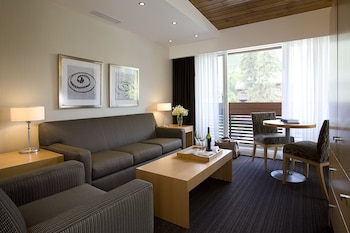 Premium Room (1 King and 2 singles beds)