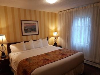 Hotel - Arbutus Inn