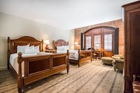 Standard Room, 2 Queen Beds at The Inn at Henderson's Wharf, Ascend Hotel Collection in Baltimore