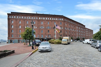 Inn At Hendersons Wharf An Ascend Hotel Collection Member Baltimore