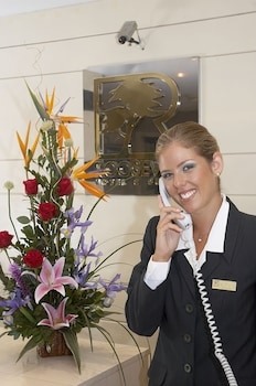 Hotel - Roosevelt Hotel & Suites