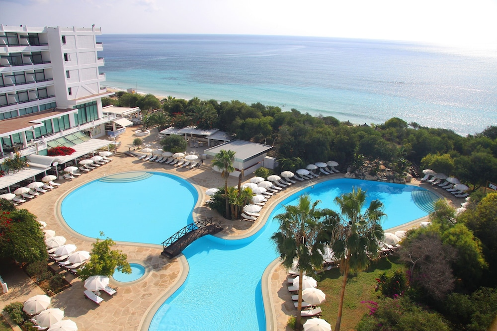 Grecian Bay Hotel, Featured Image