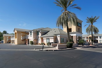 Extended Stay America Phoenix - Airport - E. Oak St. photo