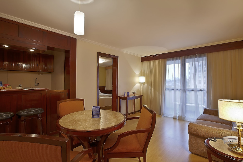 트랜스아메리카 클래식 하이네폴리스(Transamérica Classic Higienópolis) Hotel Image 6 - Living Area