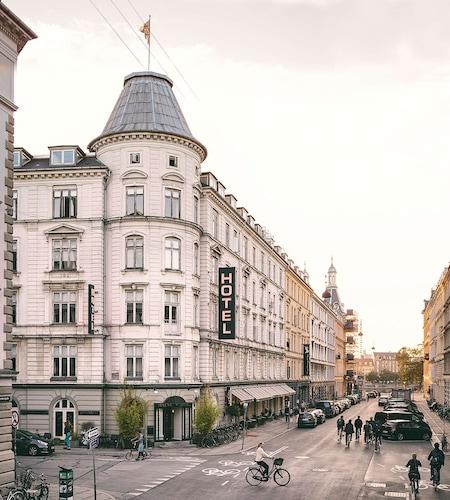 . Ibsens Hotel