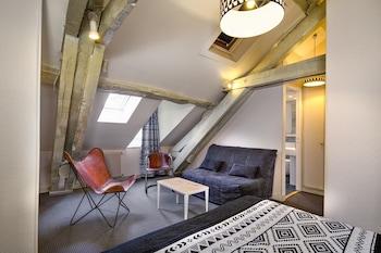 Mansard Deluxe Twin Room