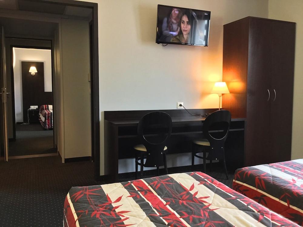 호텔 얼라이언스 루르드(Hôtel Alliance Lourdes) Hotel Image 10 - Guestroom