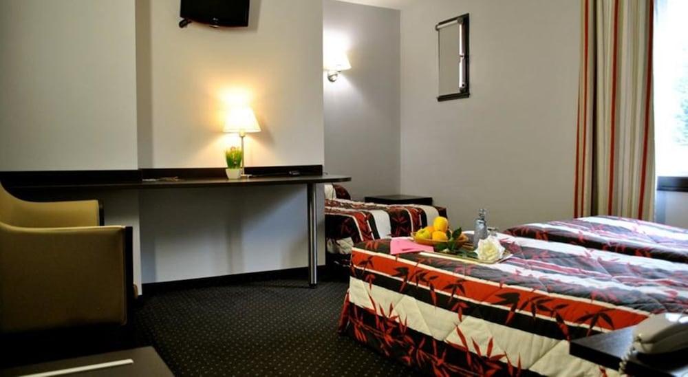 호텔 얼라이언스 루르드(Hôtel Alliance Lourdes) Hotel Image 5 - Guestroom