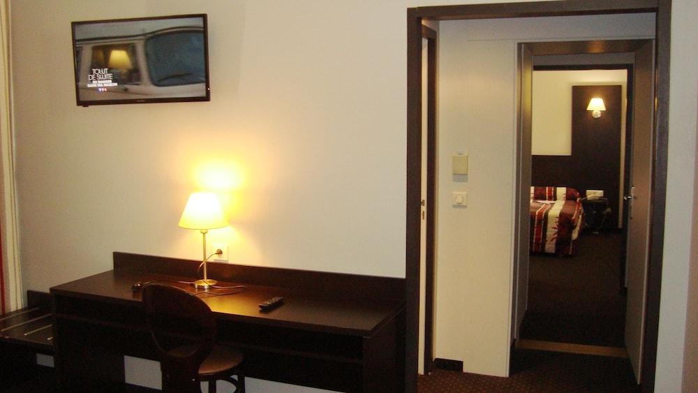 호텔 얼라이언스 루르드(Hôtel Alliance Lourdes) Hotel Image 6 - Guestroom
