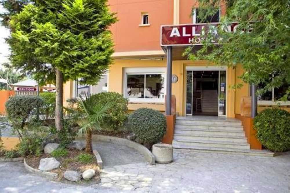 호텔 얼라이언스 루르드(Hôtel Alliance Lourdes) Hotel Image 20 - Hotel Entrance