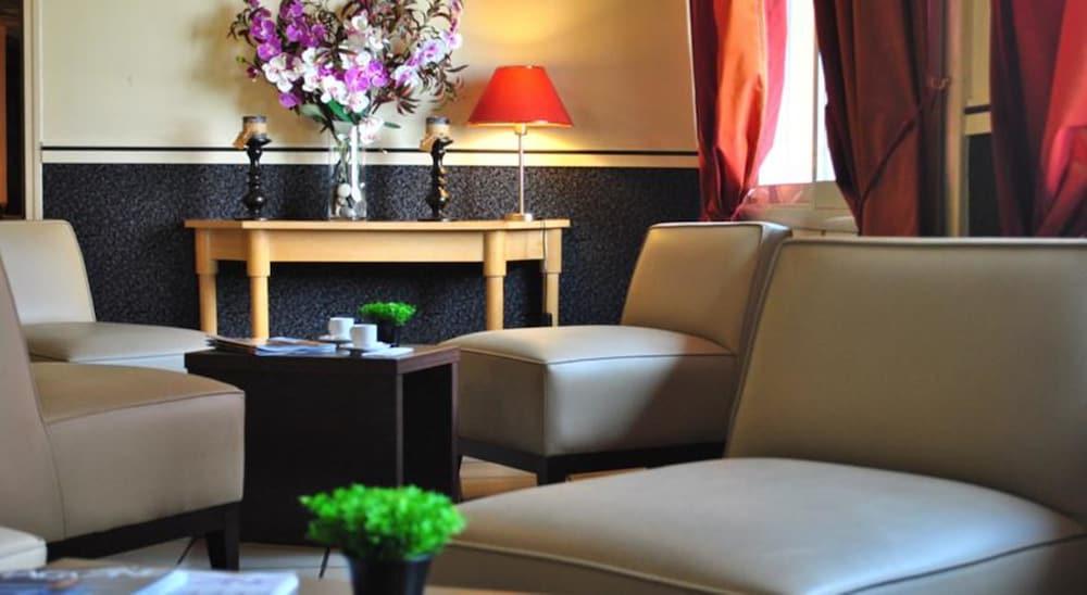 호텔 얼라이언스 루르드(Hôtel Alliance Lourdes) Hotel Image 13 - Interior Entrance