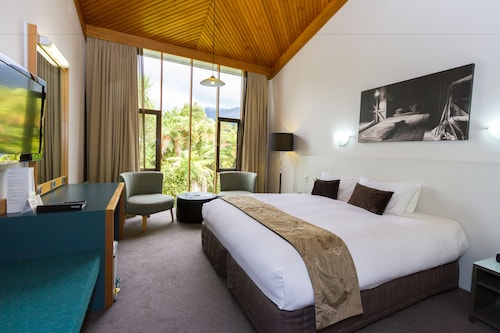 Scenic Hotel Franz Josef Glacier,Westland