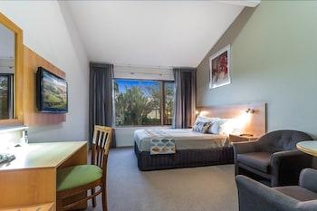 Guestroom at Airport International Hotel Brisbane in Hamilton