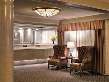 Hotel - Royal Scot Hotel & Suites