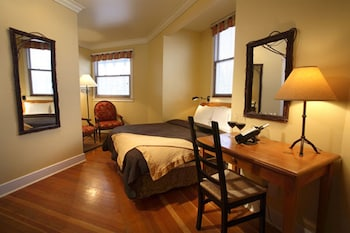 Traditional Room, 1 Queen Bed (Tower)