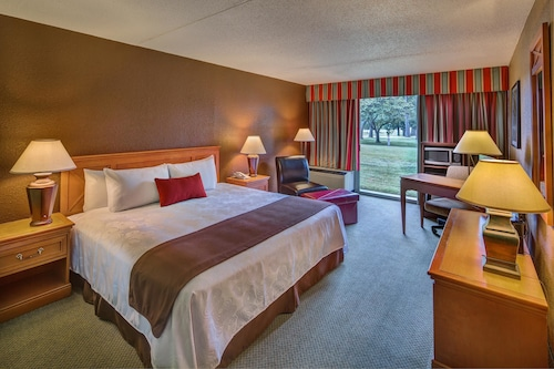 . Whispering Woods Hotel & Conference Center