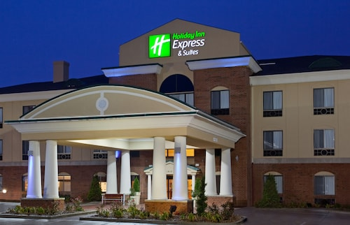 . Holiday Inn Express Hotel & Suites Goshen