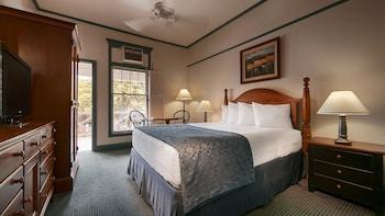 Standard Room, 1 Queen Bed, Non Smoking, Lanai