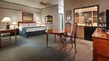 Standard Room, 1 King Bed, Non Smoking, Lanai