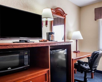 Prattville Vacations - Econo Lodge Prattville - Property Image 1