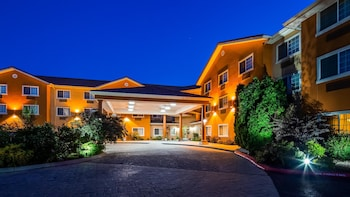 Boise Vacations - Best Western Plus Caldwell Inn & Suites - Property Image 1