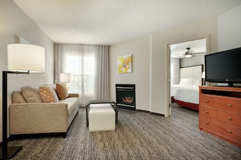 Two Bedroom Suite, Two Double and One Single Bed, Non-Smoking