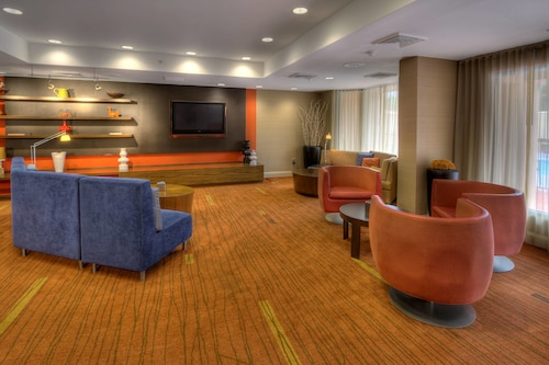 . Courtyard by Marriott Burlington