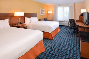 Guestroom at Fairfield Inn By Marriott Orlando Airport in Orlando