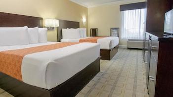 Queen Room 2 Queen Beds
