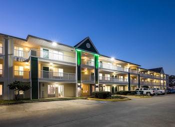 Hotel - HomeTowne Studios Lake Charles - Sulphur