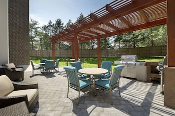 Terrace/Patio at Candlewood Suites Alexandria West in Alexandria