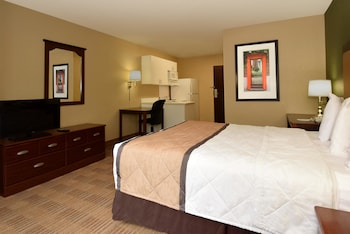 Guestroom at Extended Stay America-Orlando-Convention Ctr-Sports Complex in Orlando